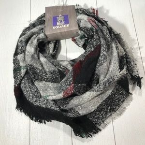 DAVID AND YOUNG Black Plaid Square Scarf